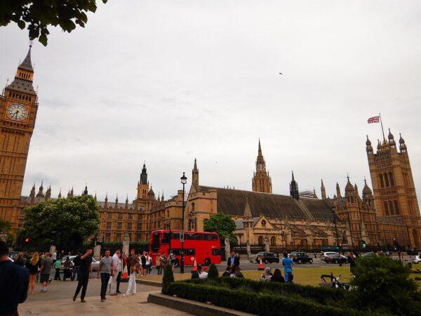 United Kingdom (83)